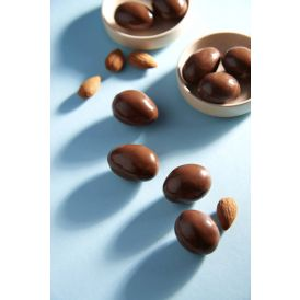 Almond Coated With Milk Chocolate 450g