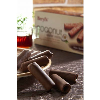 Beryl's Coconut Roll With Chocolate Box 120g