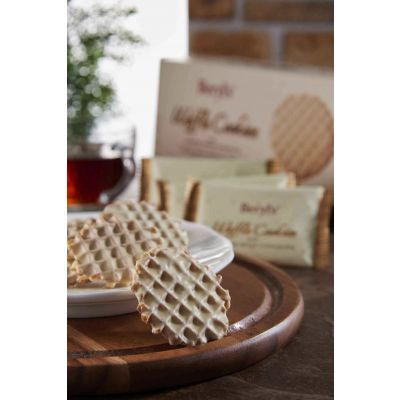 Beryl's Waffle Cookies Coated With Gianduja White Chocolate 80g Twin Pack